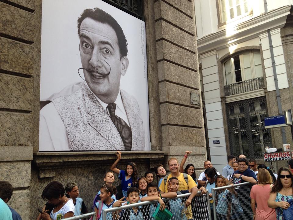 Participantes do CAC visitam a exposição de Salvador Dali, no CCBB